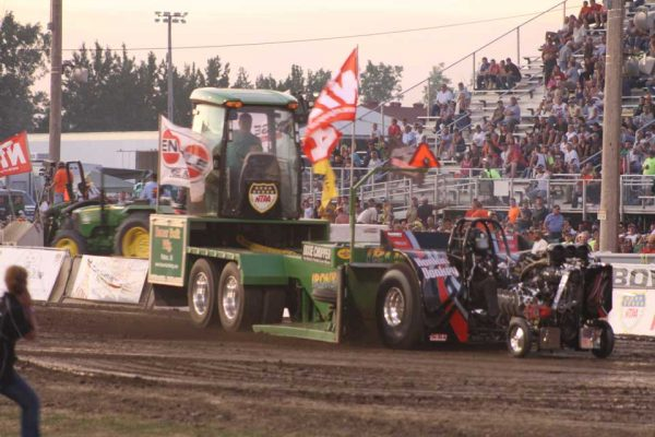 Entertainment Options For Everyone – National Tractor Pulls